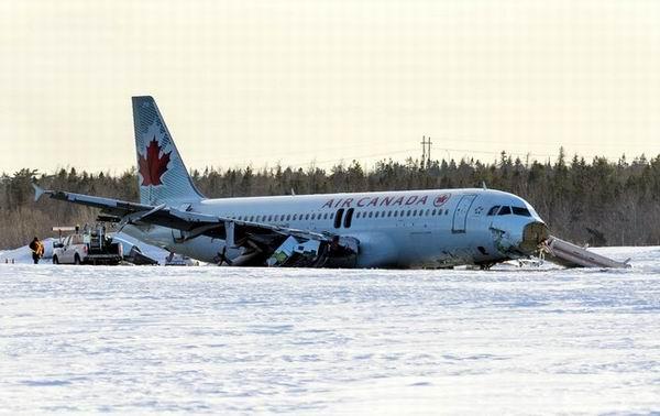 Investigan accidente en aterrizaje del Airbus A-320 de Canad�