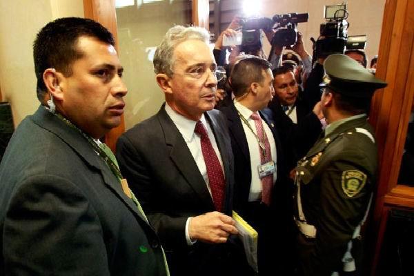Revelan nexos del ex Presidente Uribe con el paramilitarismo