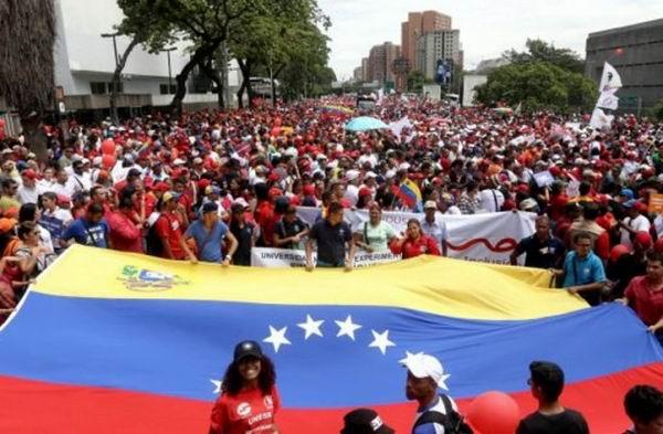 Venezuela, entre la Habilitante y el respaldo