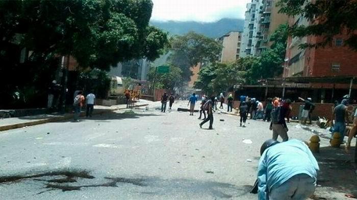 Grupos de choque atacan sede de VTV