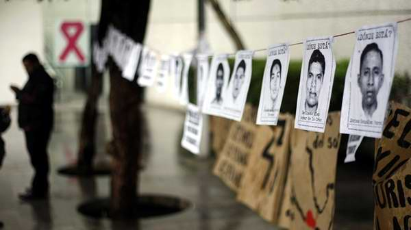 Estudiantes de Cuba en solidaridad con el estudiantado mexicano