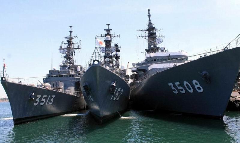 Japanese Navy training ships visit Cuba