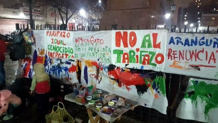 Primer Cacerolazo contra alza tarifaria en Argentina (+Audio)
