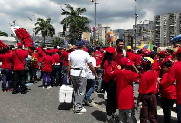 Los caraqueños en las calles en apoyo a la campaña de Hugo Chávez