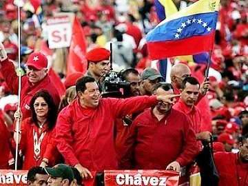 Continúa Chávez encabezando actos de campaña electoral