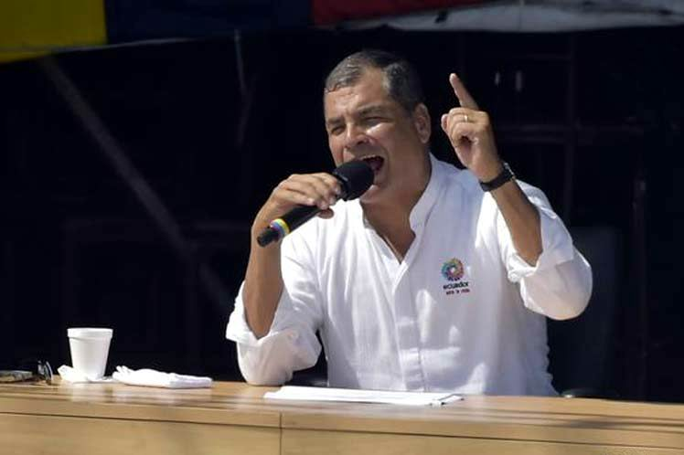 Campaña por el No, liderada por Correa llega a Quito
