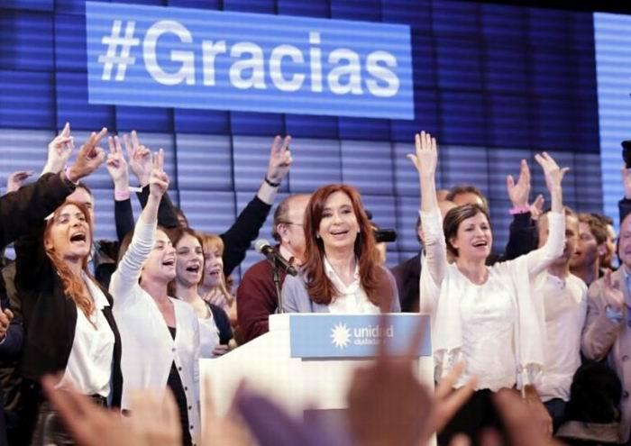 Cristina Fernández es electa para el Senado de Argentina