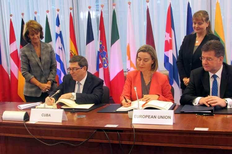 El Acuerdo de Diálogo Político y Cooperación entre Cuba, por una parte; y la Unión Europea y sus Estados Miembros, por otra; se firmó este lunes en Bruselas. Foto: PL
