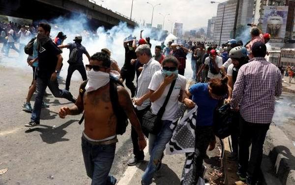 Lanza derecha venezolana nueva arremetida golpista