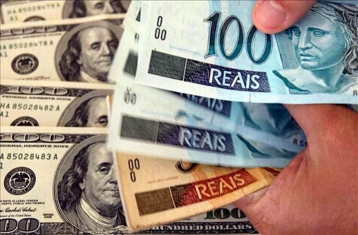 Devaluación del real frente al dólar