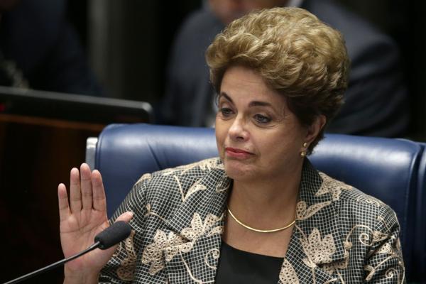 Una Dilma serena ante el Senado