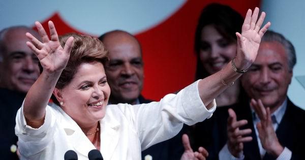 Rousseff consiguió un 51,6 por ciento de los votos en la segunda vuelta contra el 48,4 por ciento del senador de derecha Aécio Neves. Foto: AP
