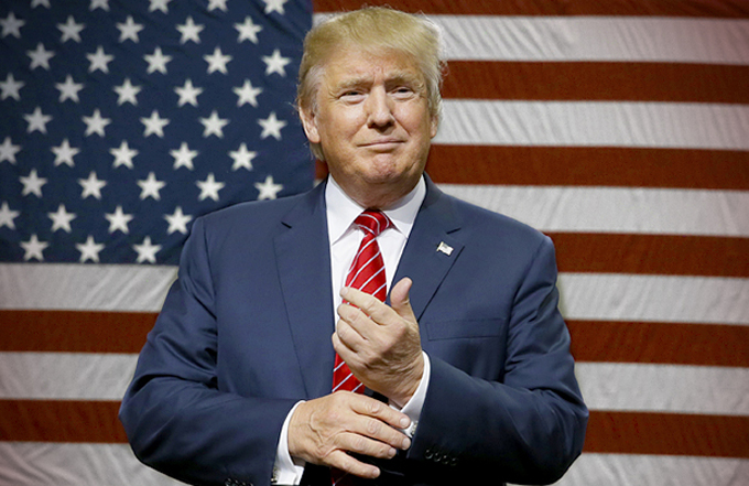 Piden a Trump despedir a tres asesores por vínculos con supremacismo blanco