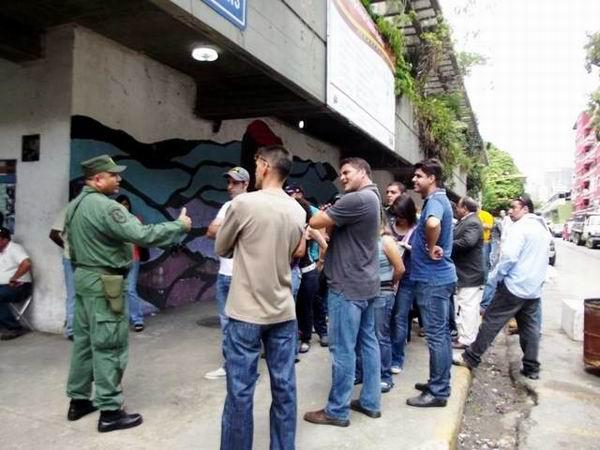 Despliegue de la milicia, policías, soldados y acompañantes, para proteger las urnas, y el material electoral en los colegios venezolanos.
