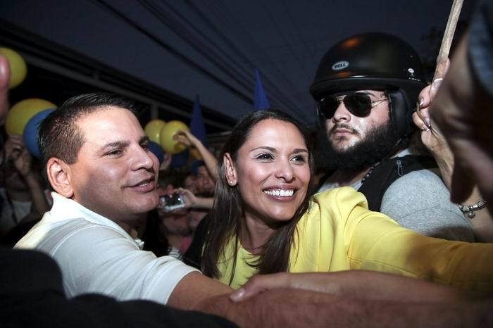 Candidatos presidenciales celebran buena afluencia de votantes en Costa Rica