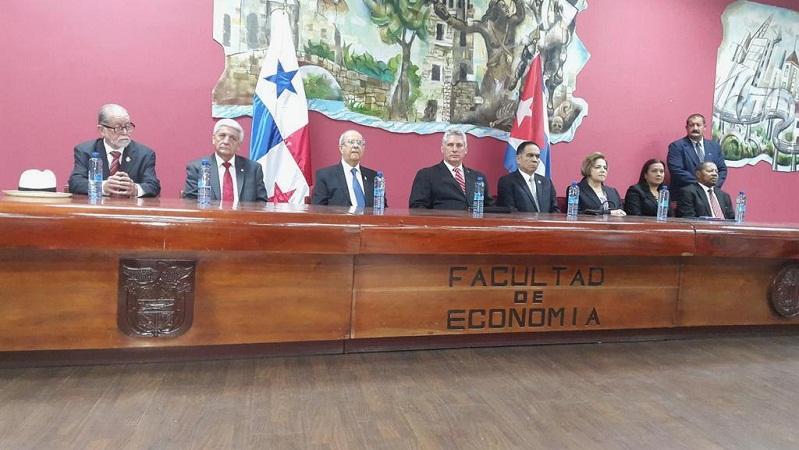 Doctor Honoris Causa Title Conferred in Panama to Raul Castro