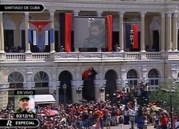 Palabras de Fidel estrecen  al pueblo santiaguero en Parque Céspedes