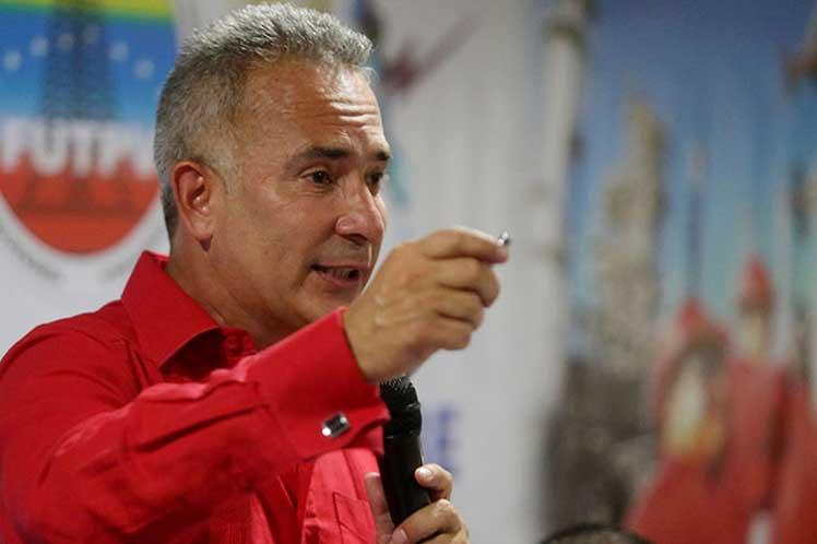 Acusan a derecha venezolana por fraude en proceso revocatorio