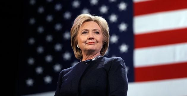 Supera Clinton a Trump por 1,3 a cuatro días de elecciones presidenciales