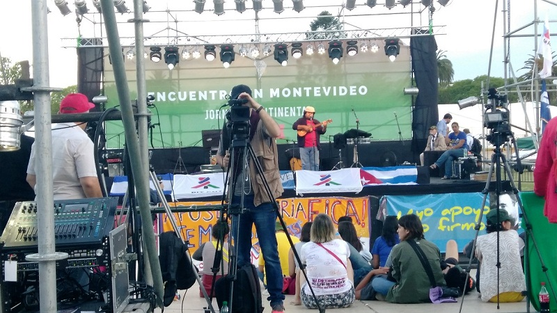 A Fidel, homenaje y compromiso en Montevideo (+Fotos, Audio y Video)