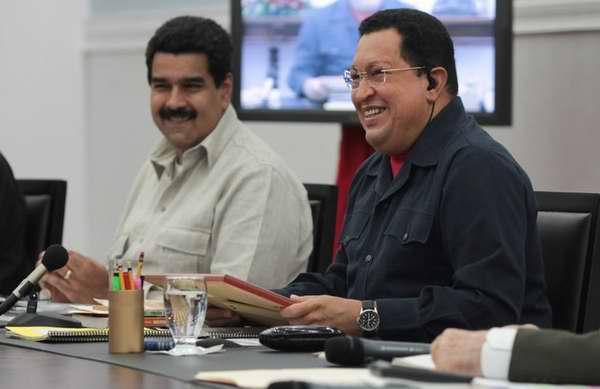 Maduro llevó a Chávez mensaje de su pueblo