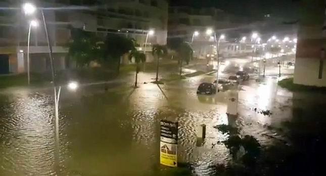 El huracán María arrasa en Dominica