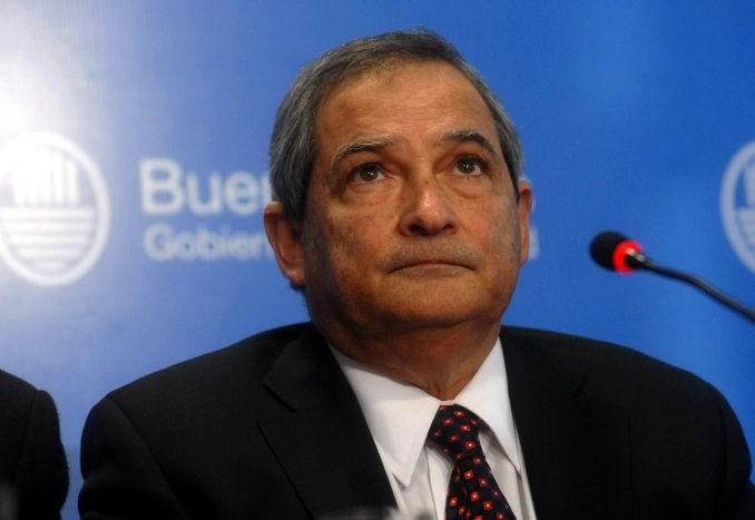 El ministro de Salud en Argentina, Jorge Lemus, anunció este lunes la inhabilitación de 380 profesionales de la medicina