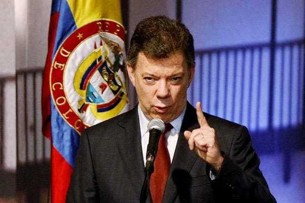 Santos levanta orden de suspensión de bombardeos a campamentos de las FARC