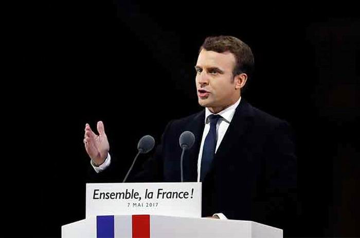 Emmanuel Macron and his Government Proposal