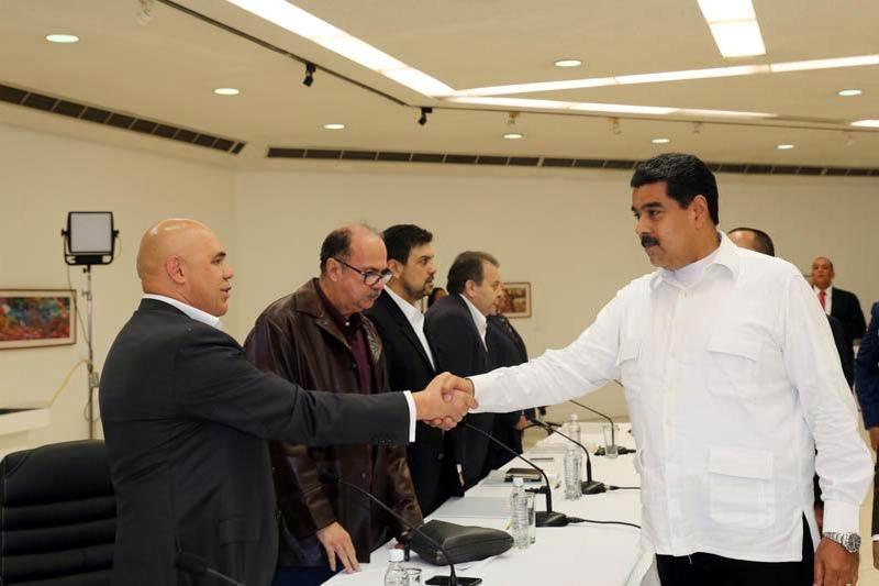 Venezuela: Gobierno y oposición inician diálogo en Caracas (+Audio)