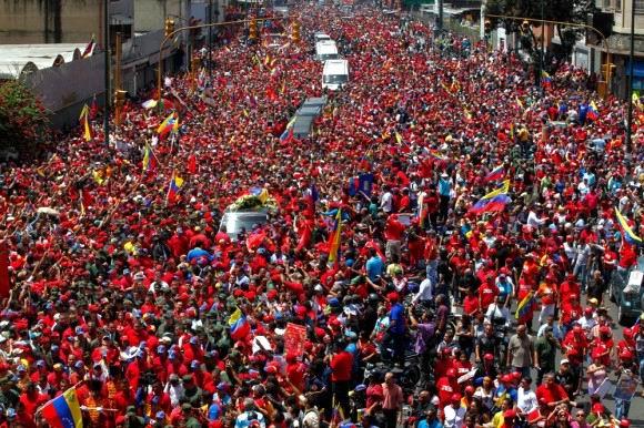 El pueblo acompañó a su líder, Comandante Chávez.