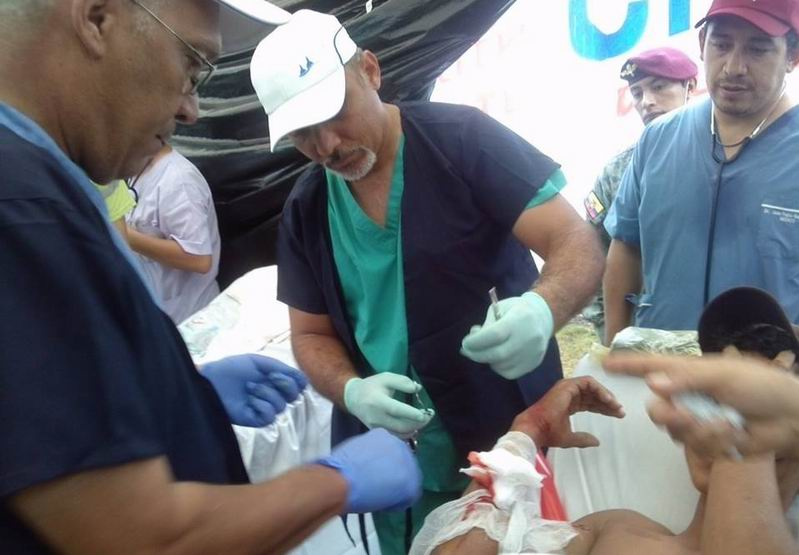 Colaboradores cubanos que prestan servicio en Ecuador