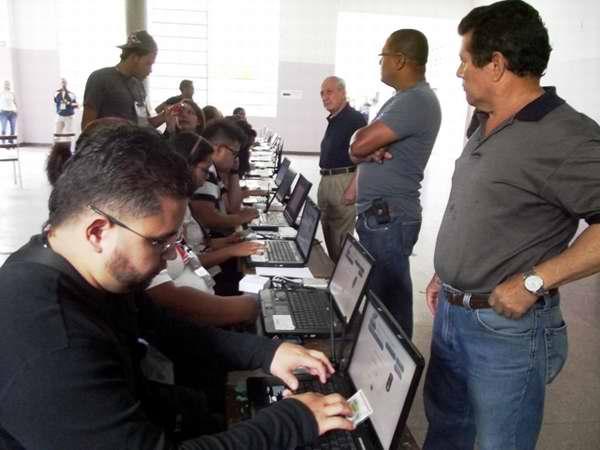Mesa electoral en Venezuela