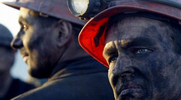 Explosi�n en mina ucraniana