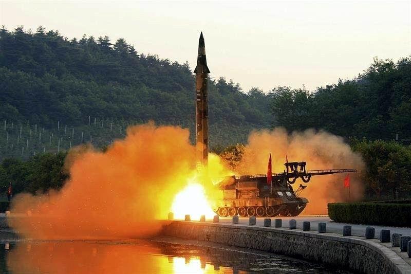Redobla Corea del Norte desafío contra Trump
