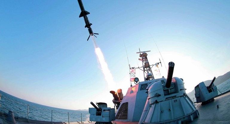 Lanza Corea del Norte nuevo misil y desafía a Trump