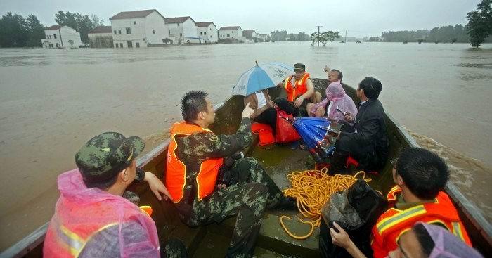 Casi un centenar de muertos y desaparecidos por lluvias en China