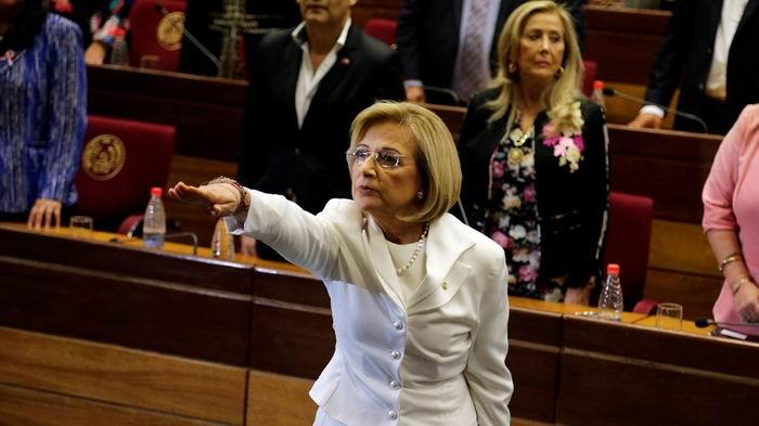 Hasta tanto el país será dirigido por una mujer. Alicia Pucheta, la primera mujer en ocupar la Vicepresidencia de Paraguay