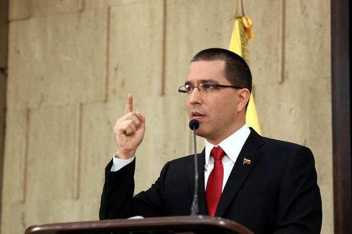Acusa Venezuela a Colombia de obstaculizar el retorno de repatriados