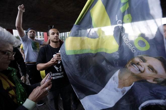 Ultraderechista Bolsonaro gana elecciones en Brasil