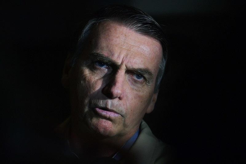 Abren investigación contra campaña del ultraderechista Jair Bolsonaro