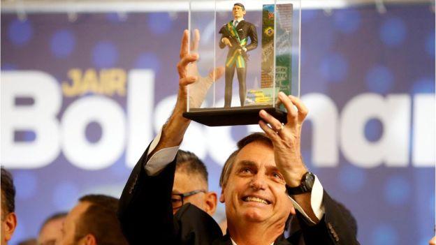 Rechaza mayoría de electoras en Brasil al candidato ultraderechista
