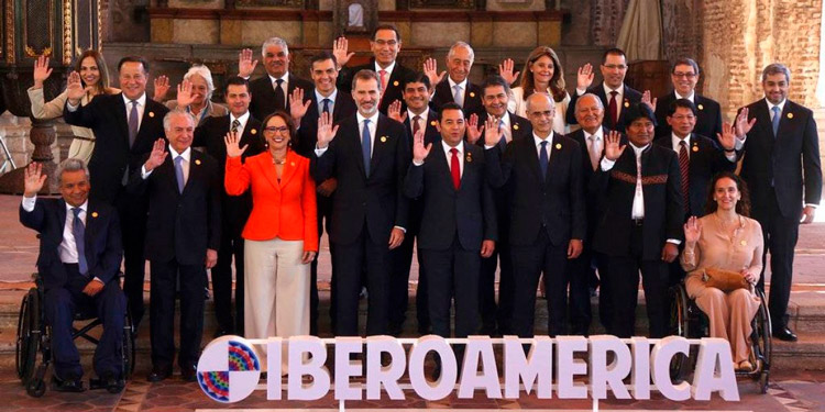 Condenan bloqueo contra Cuba en Cumbre Iberoamericana