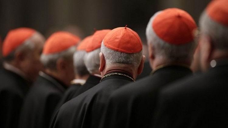 Denuncian cerca de 700 casos de abusos contra menores en diócesis estadounidenses