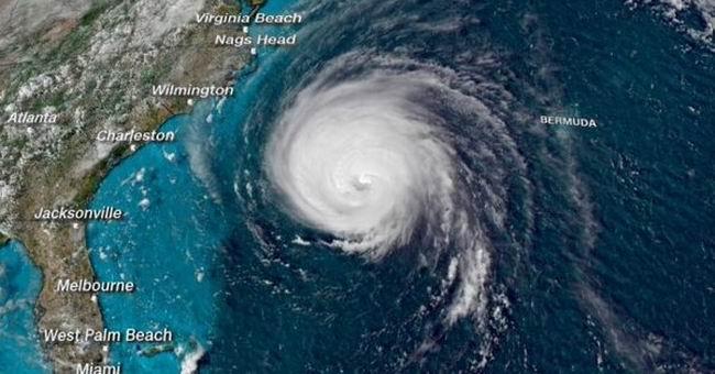 Huracán Florence se debilita pero se mantiene la alerta en EE:UU