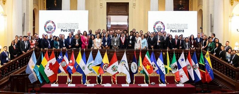 Por una mayor acción de parlamentos contra la corrupción