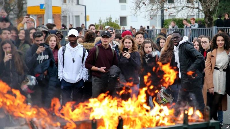 Protestas en Francia, incidentes en todo el país