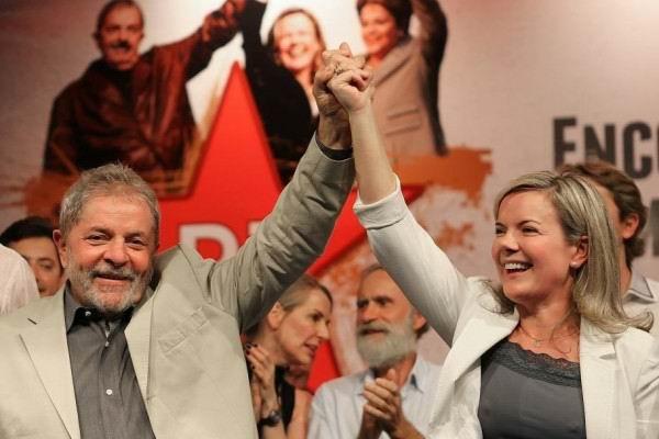La presidenta del Partido de los Trabajadores en Brasil, Gleisi Hoffmann, llamó este jueves a la población a una gran movilización el 15 de agosto en Brasilia, para acompañar el registro del expresidente, Luiz Inácio Lula Da Silva, como candidato presidencial