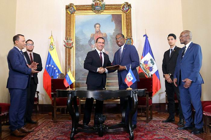 Alianza de Venezuela y Haití en cooperación financiera