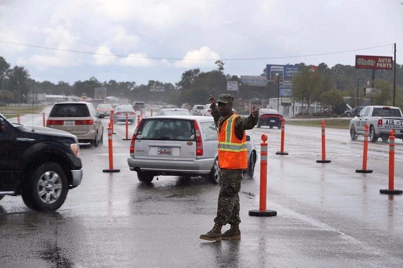 Se desplazan miles de habitantes estadounidenses por Huracán Florence